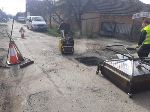 A termikus útjavító rendszer alkalmazása a Zrínyi utcában (Fotó: Csízi Richárd)
